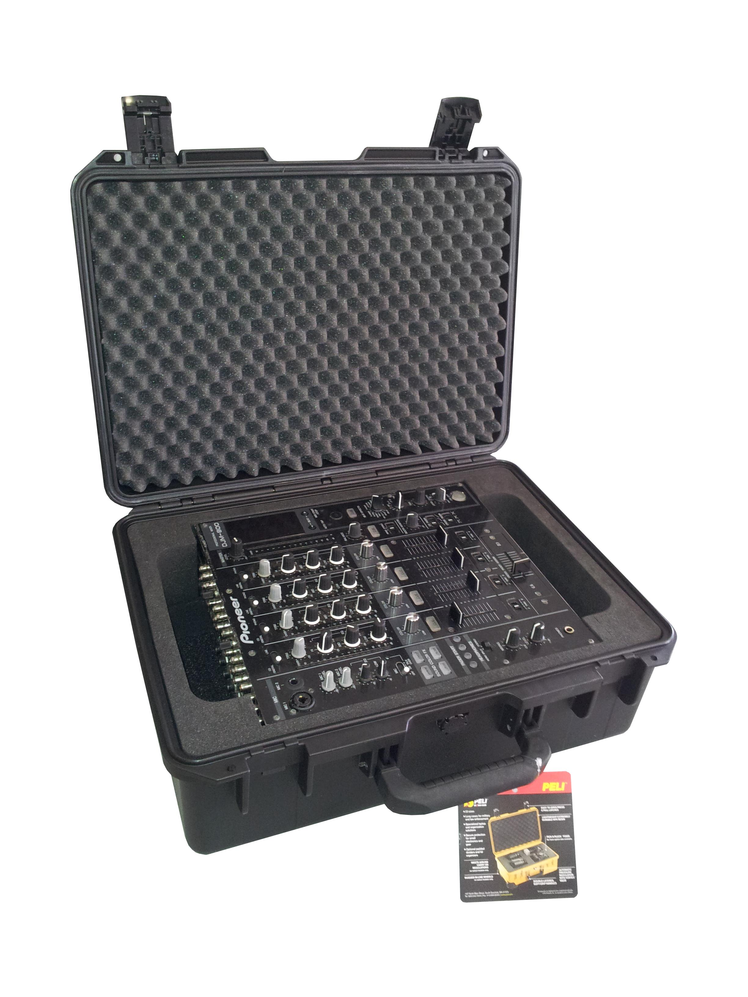 iM2600 tbv  Pioneer DJM800 mengpaneel